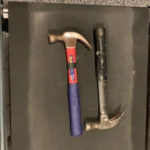 2 claw hammers